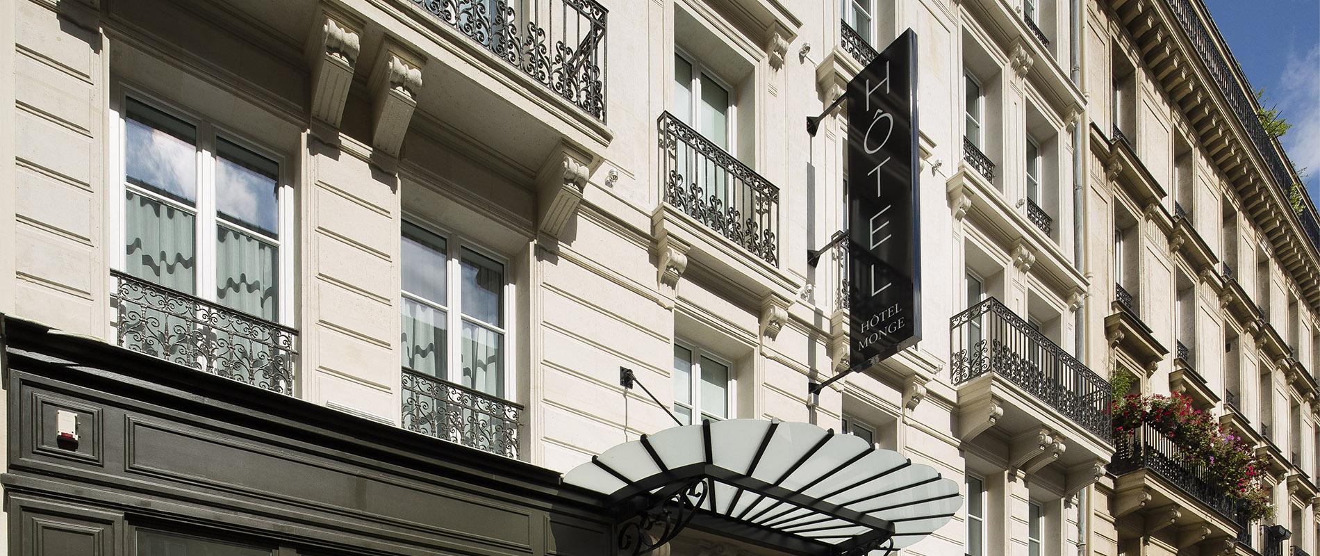 Facade Hotel Monge