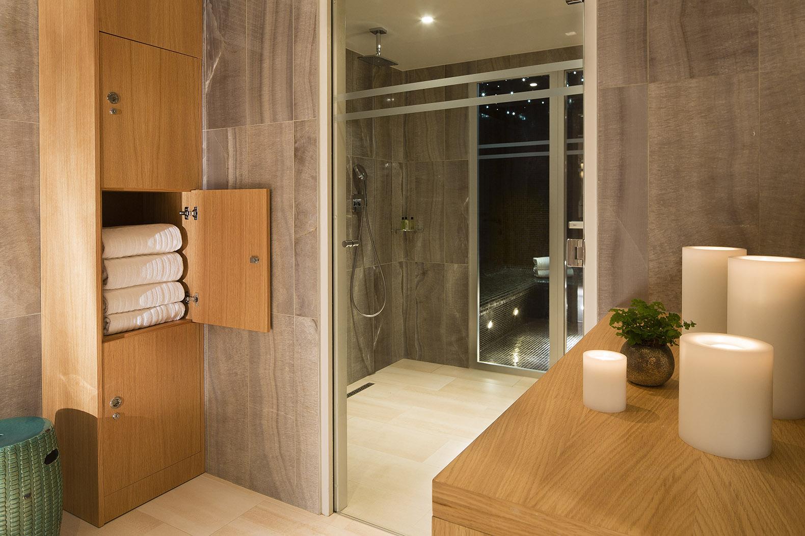 Ambiance Spa Douche Hotel Monge