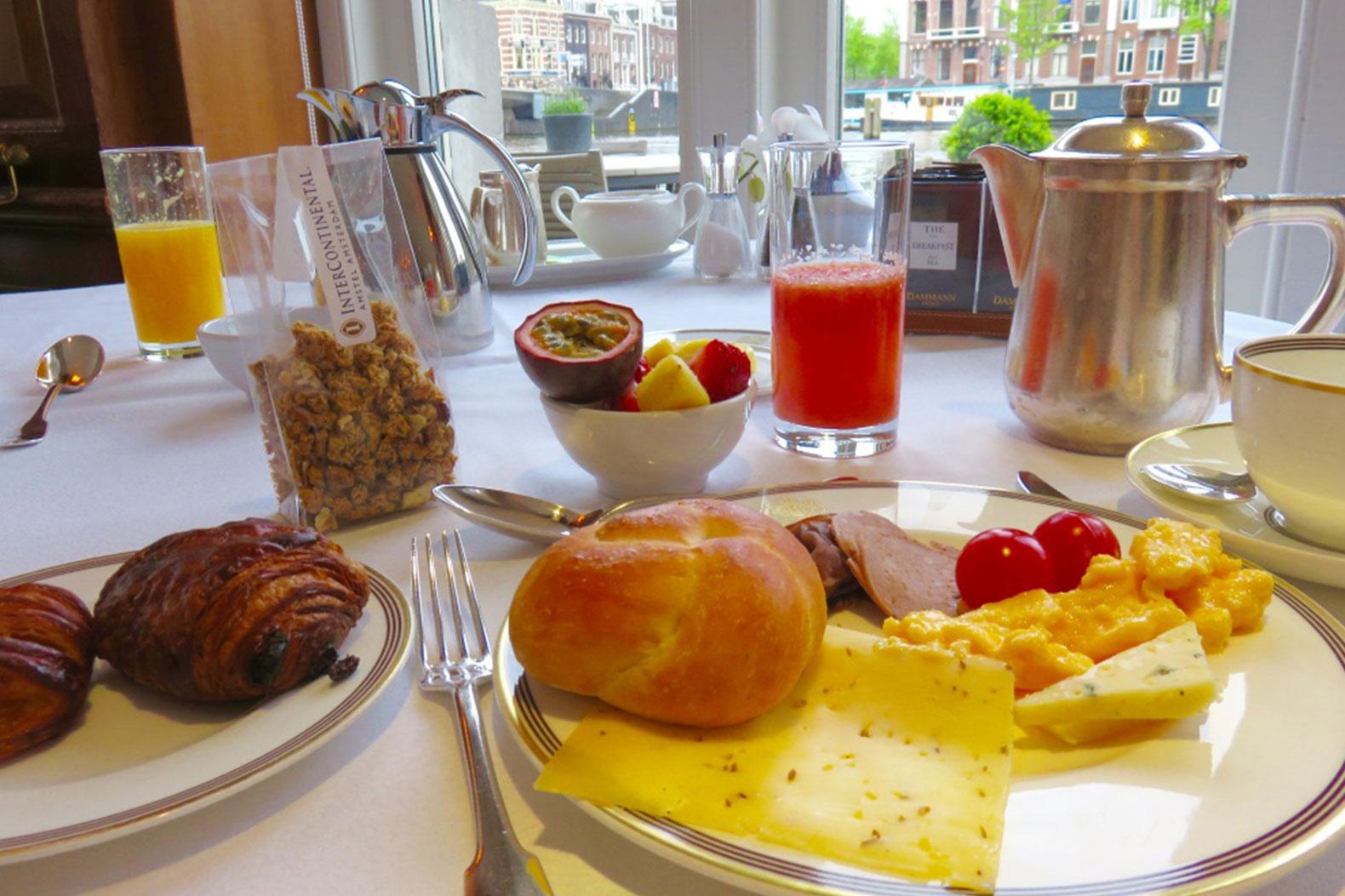 petit-dejeuner-la-rive-amsterdam